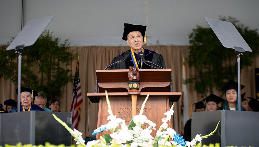 Historian David Lei speaks at the 2019 UC Berkeley commencement ceremony.